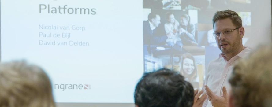 Executive education on digital platforms